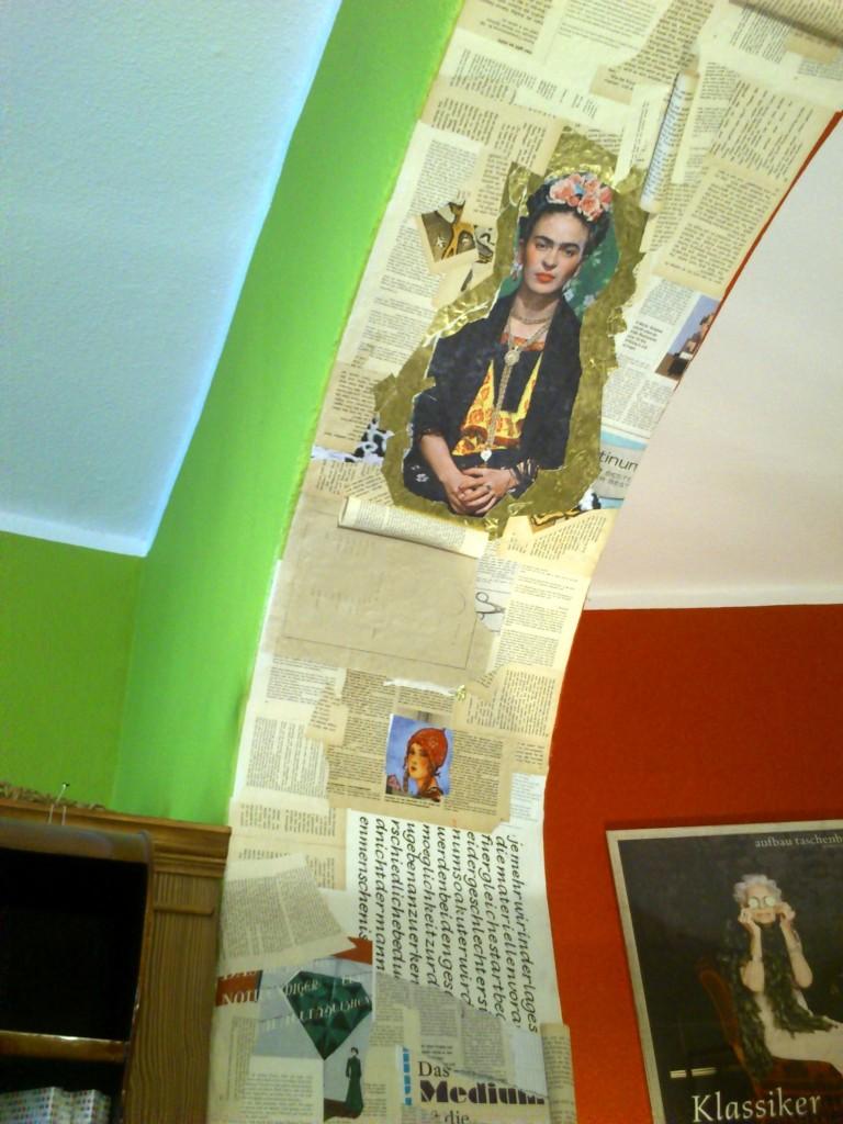 Frida freut's: Detail der Buchhandlung Grünschnabel liest auf dem Weißen Hirsch in Dresden.
