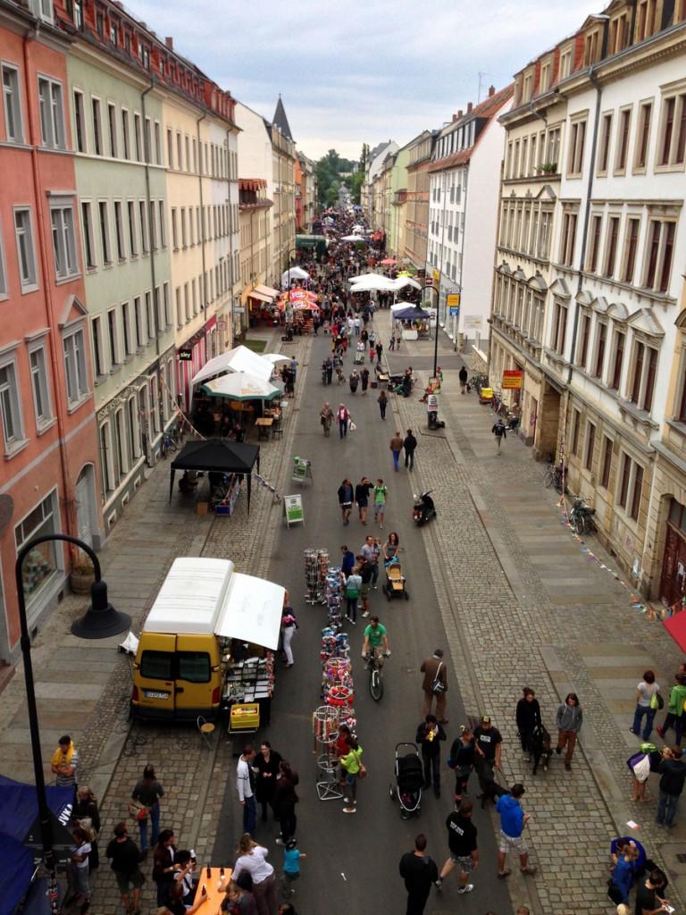 Nochmal die Rudolf-Leonhard-Straße aus der Vogelperspektive.