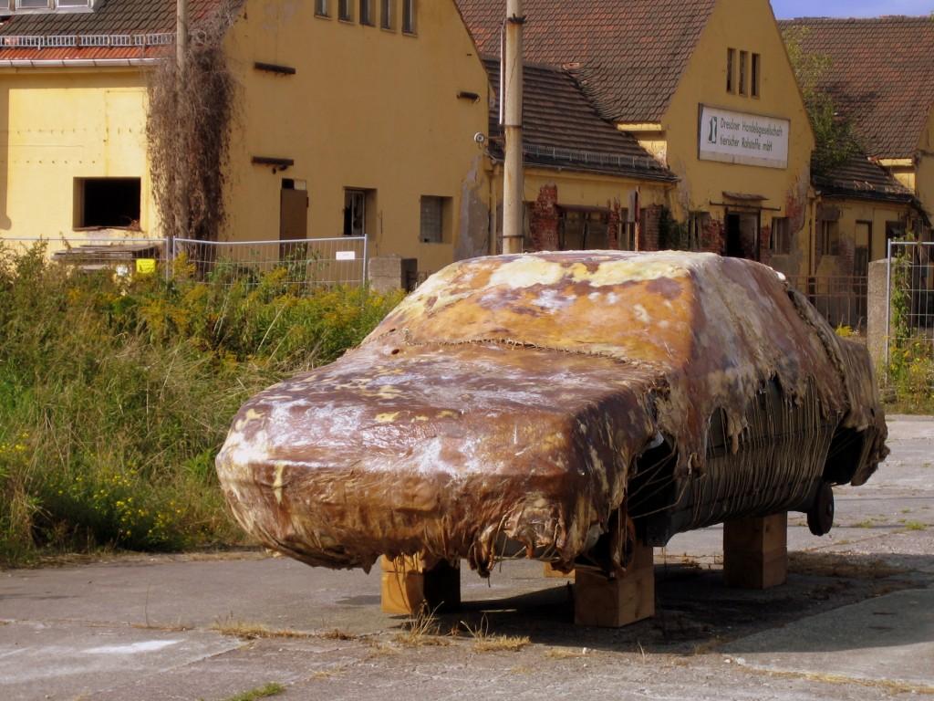 Wie eine Szene aus dem Cremaster Cycle: Kunstwerk auf der Ostrale (2010).