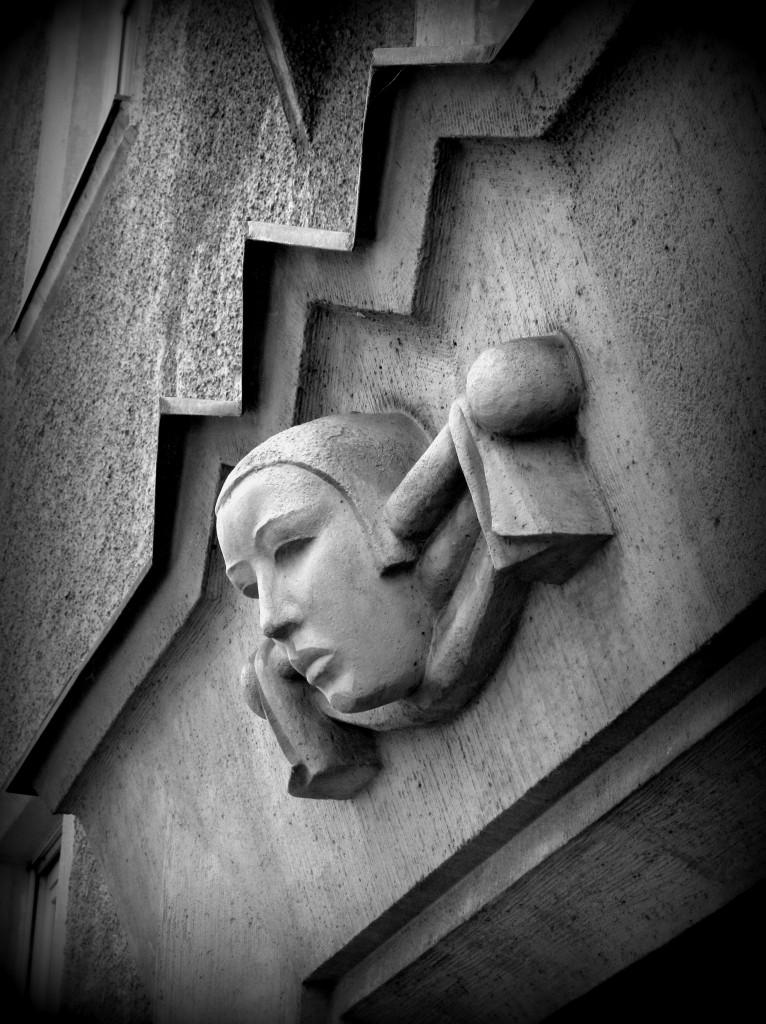 Gebäudeschmuck in München.
